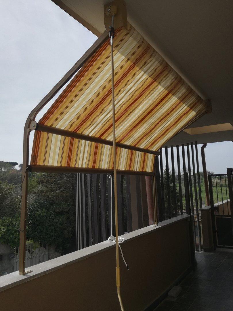 Tende con struttura per giardini e terrazzi eurotendesud for Mobili per terrazzi e giardini