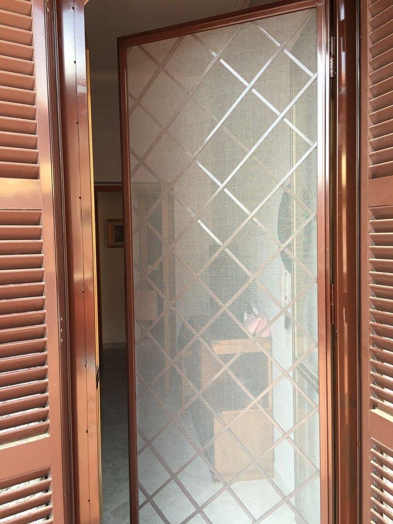 Grate di protezione per porte e finestre eurotendesud - Vi girano porte e finestre ...